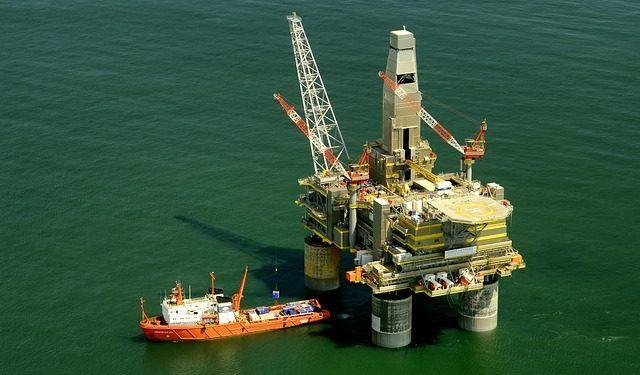 Pixabay.com / Oil Platform