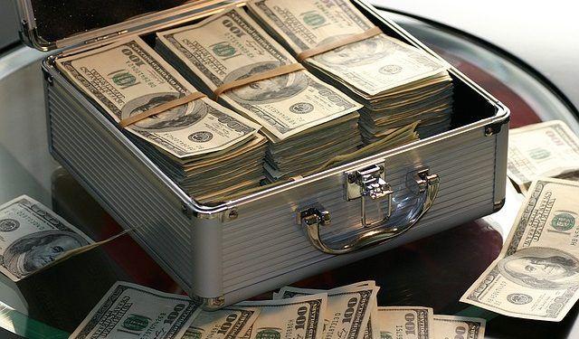 Maklay62 / Pixabay.com / US Dollars