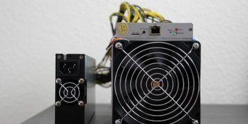 Reisefreiheit_eu / Pixabay.com / ASIC miner for Bitcoin