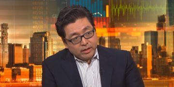 Bloomberg | Fundstrat's Tom Lee Sees Catalysts That Will Drive Bitcoin Higher | Finance and Crypto