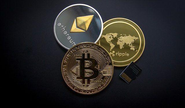 WorldSpectrum / Pixabay.com / Bitcoin, Etereum, Ripple