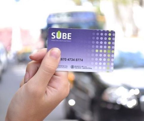 For the use of buses, trains and subways it is necessary to use a prepaid magnetic card to pay per travel. The SUBE card can be purchased at over 4000 stalls in the city.