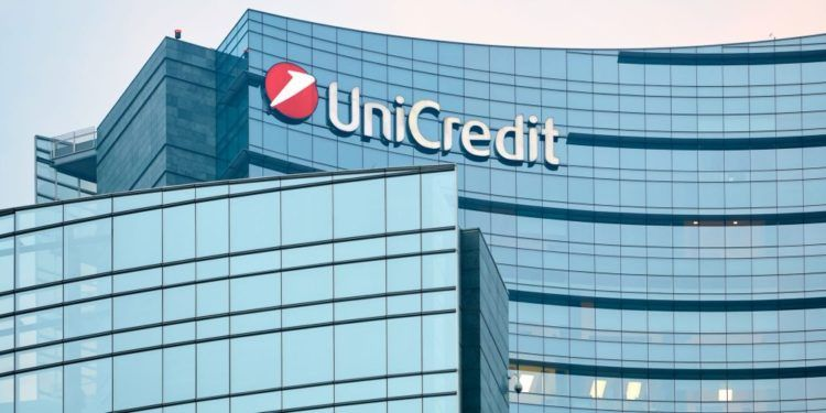 UniCredit Sheds 50% of Its Outstanding Holdings in FinecoBank