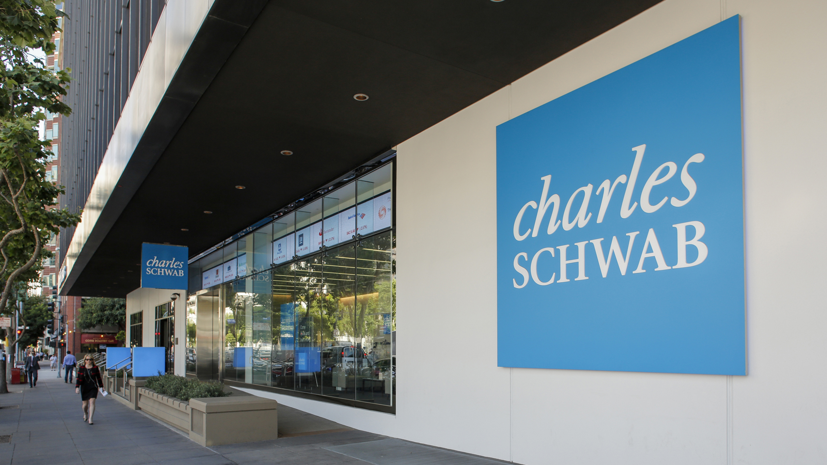Charles Schwab Launches Robinhood Competitor, Free Stock Trading Now Possible