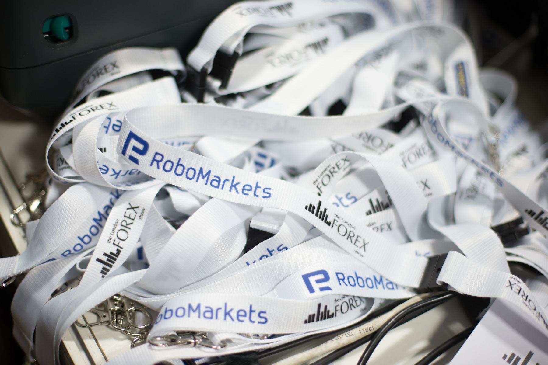 RoboMarkets Launches R Trader's Mobile Version for Users