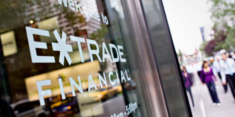 E*TRADE Sued Over Platform Outage During Crude Oil Futures Crash
