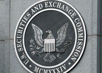 U.S. SEC Investigates Wall Street Bank Staffs' Work-Related Communications
