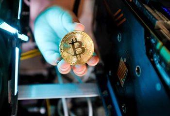 Retail Investors Acquiring More Bitcoin Than Institutional Investors – JPMorgan