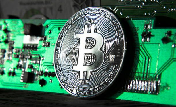 Bitcoin Will Rally To $400K In 2021 – Bloomberg Predicts