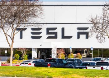 Analysts Still Bullish On Tesla Stock (TSLA) Despite 9% Drop YTD