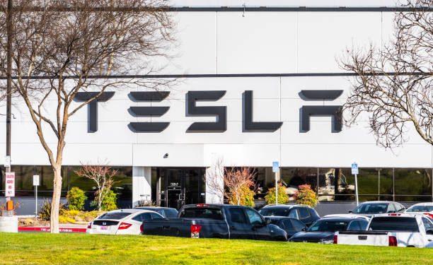 Analysts Still Bullish On Tesla Stock (TSLA) Despite 9% Drop YTD