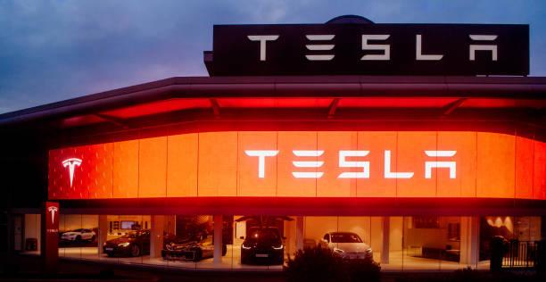Elon Musk Said Tesla May Offload Bitcoin, Encounters Crypto Twitter Backlash