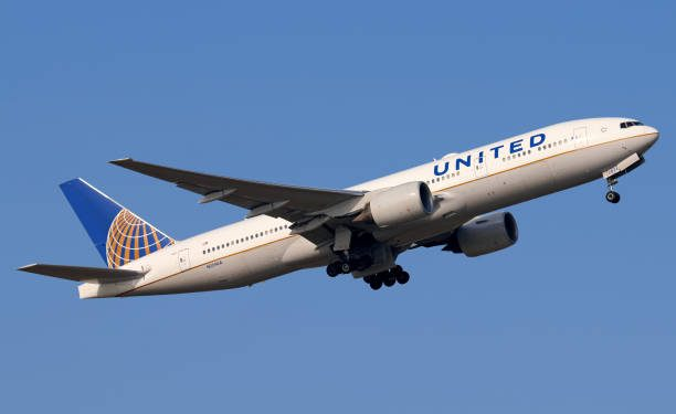 United Airlines Order Indicates Shift To Bigger Planes And Premium Seating