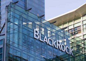 Chinese Investors Put $1B Into BlackRock's New Fund