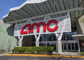 AMC Plans To Accept Bitcoin Payments For Movie Tickets By 2022