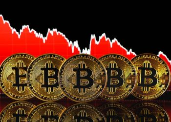 Bitcoin Plunges Below $44K, Stocks And Evergrande Worries Affect BTC Price